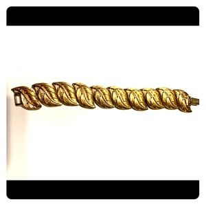 Very rare Napier gold time leaf bracelet. 50s-70s.